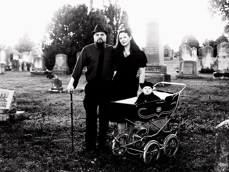 Family Portrait Session at Cemetery in Leesburg VA